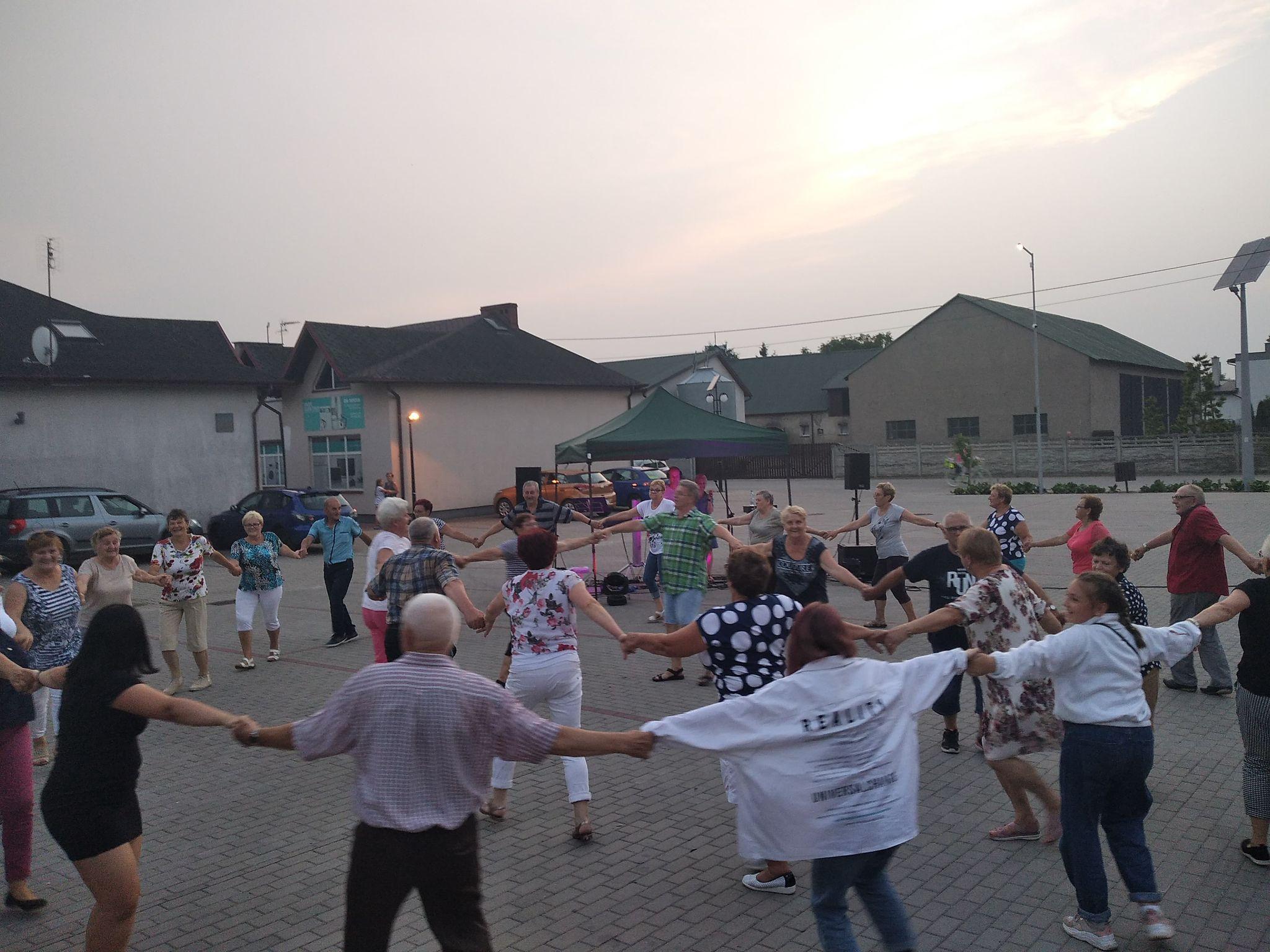 zdjęcie z imprezy MUZYCZNE SPOTKANIE DLA SENIORÓW